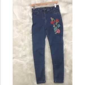 Zara woman floral embroidered skinny jeans